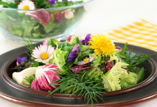 why eating seasonally will help prevent spring allergy symptoms