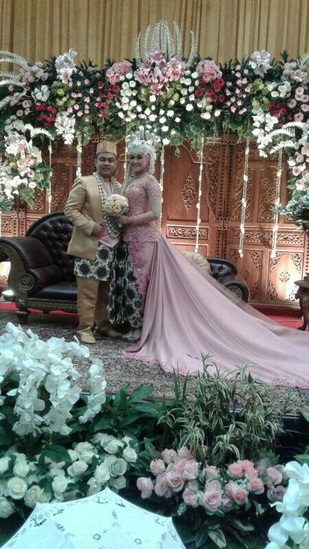 Kebaya Wedding Modifikasi by @Ulimora_kebaya (IG)