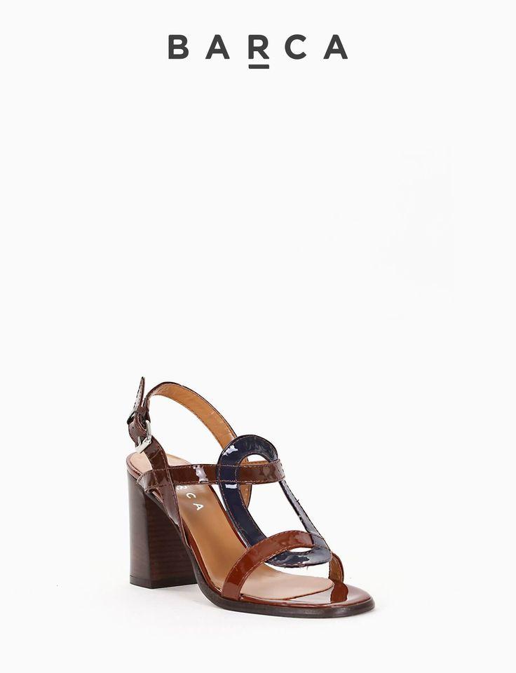#Sandalo #tacco 80, fondo gomma e soletto in vera pelle, tomaia in vernice con punta squadrata, tomaia costruzione tondo a contrasto colore #blu.  COMPOSIZIONE FONDO GOMMA, SOLETTO VERA PELLE  CARATTERISTICHE Altezza tacco 8 cm  COLORE #CUOIO  MATERIALE #VERNICE  #heels #sandali #tacchi #springsummer #outfit #fashionblogger #shoes