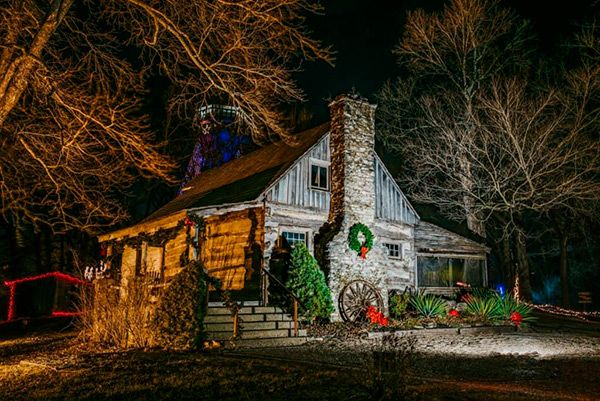 7 Best Places For Christmas Lights In Branson Branson Mo Best Christmas Lights Christmas Lights Lights