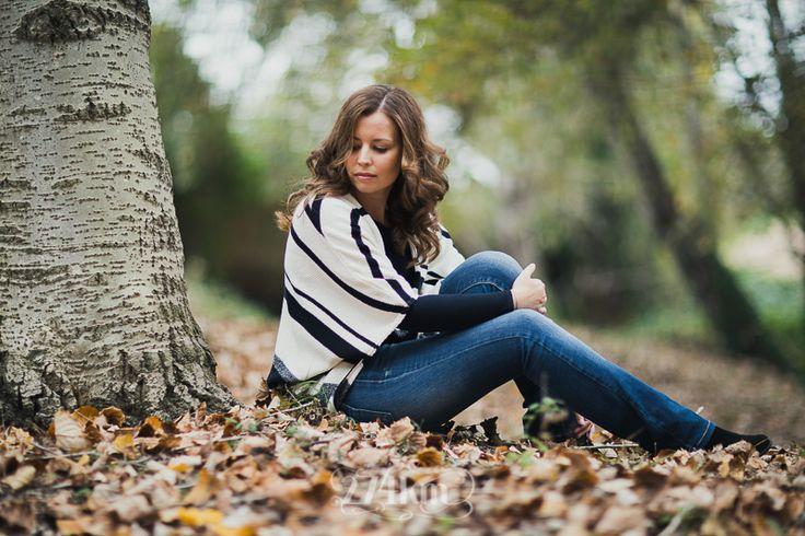 Sesión de fotos de retrato en el bosque en otoño en barcelona (7)
