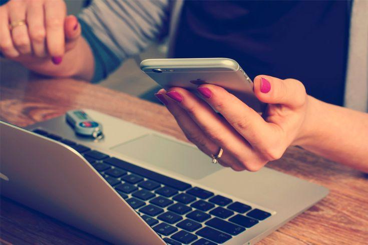 <p>Comprar pasajes aéreos por internet es una tendencia que sigue creciendo. Pero a pesar de tener mucha o poca experiencia al momento de hacer la compra, a vecesdudamos porque no sabemos si estamos adquiriendo la mejor oferta. En este post les doy 5trucos para comprar pasajes aéreos por internet y que encuentren la mejor opción:…</p>