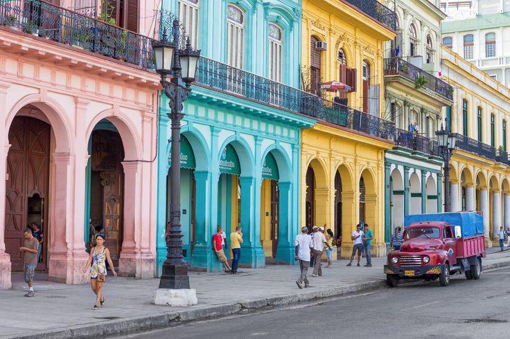 Salsa, Rum und Zigarren - Kubanische Nächte sind heiß. Im HolidayCheck Blog berichtet Sandra von ihrer spannenden Reise nach Kuba.