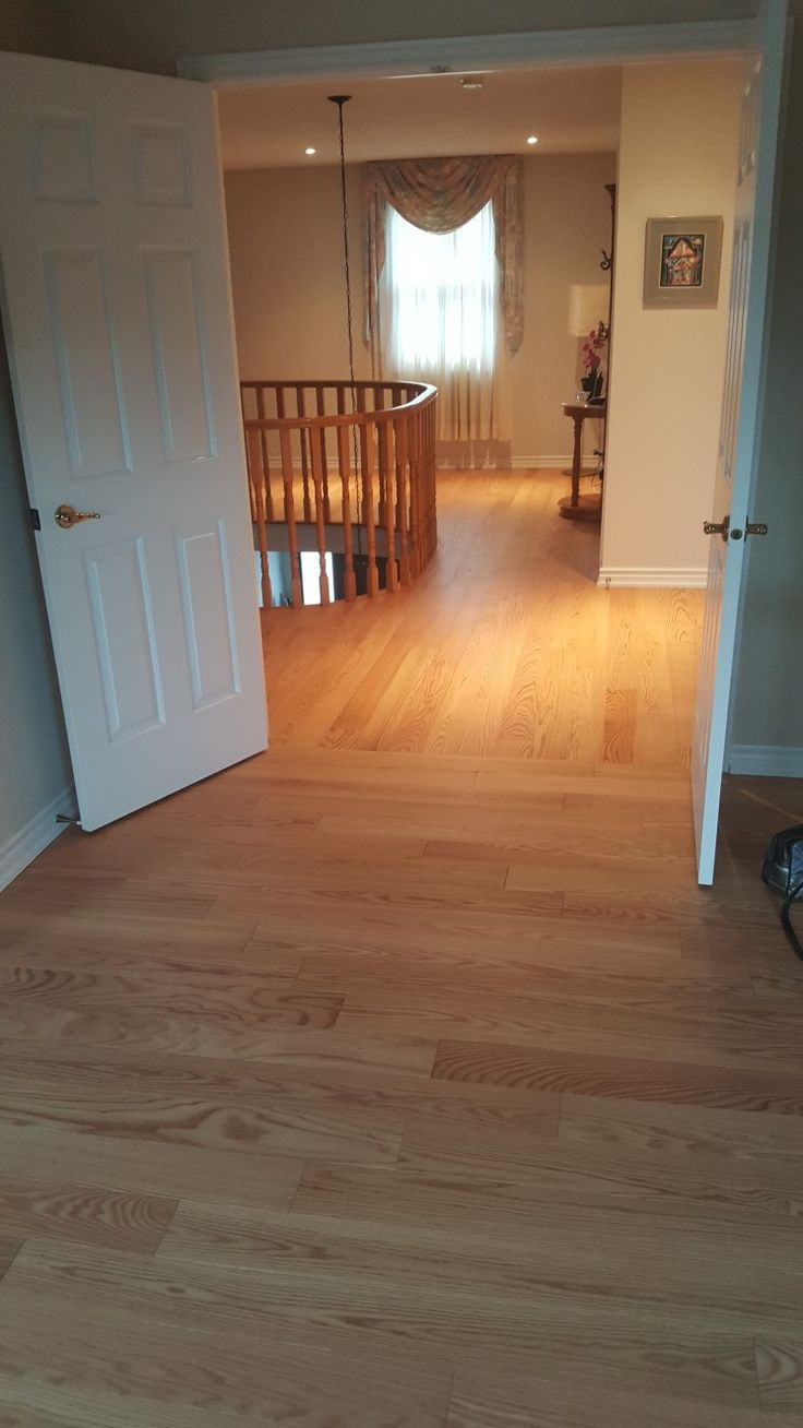 transition from master bedroom to hallway    #hardwoodfloors #hardwoodflooring #flooring #toronto #torontobuilds #king #luxury #instagood #artflooring #parqueteam #canada #canadian #house #mississauga #ontario #vaughan #thornhill #demolition #construction #contractor #laminate #contractorlife http://www.hardwood-parqueteam.ca/