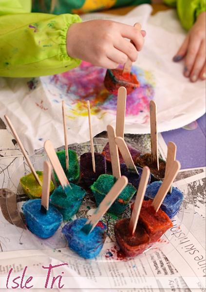 Paint Pops. Glassons de colors amb un pal de gelat per no cremar-nos les mans