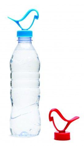 De Bottle Clip is een handige clip voor je waterflesje, ideaal voor onderweg, op vakantie of als je gaat shoppen! #waterfles #reiscadeau #cadeau #reizen #wereldreis