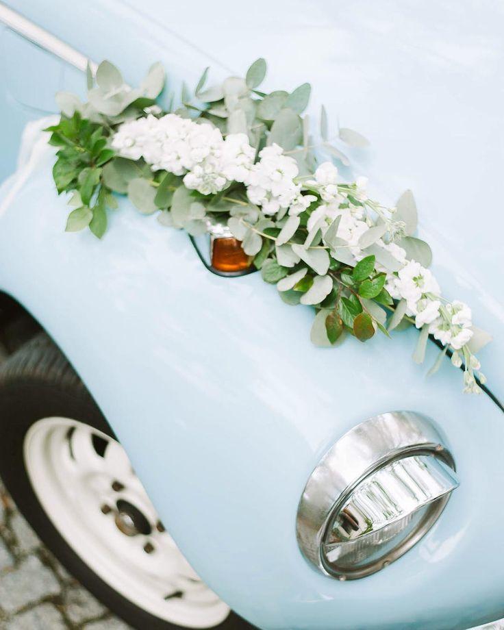 Again my favourite details  . Pomysł inspiracja & organizacja: @wedding_poland& @wedding_sweetjuliet Lokalizacja: @amberroomrestaurant Zdjęcia: @jamstudiopl Aranżacja dekoracja florystyka:@florist_irinazasorina Stylizacja: @elle.cari Samochód: @samochodzklasa . #weddingphotographer #destinationwedding #weddingday #weddingplanner #slubneinspiracje #jamstudiopl #bridebook #fotografwarszawa #fotografslubnywarszawa #weddinginspiration #oldcar #sesjaslubna #garbus #vw #fineartphotography…