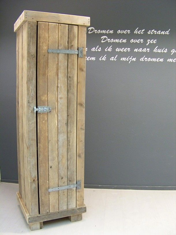 Mooie smalle kast van steigerhout met gave scharnieren   Scaffolding wood   Pinterest   Tes, Met