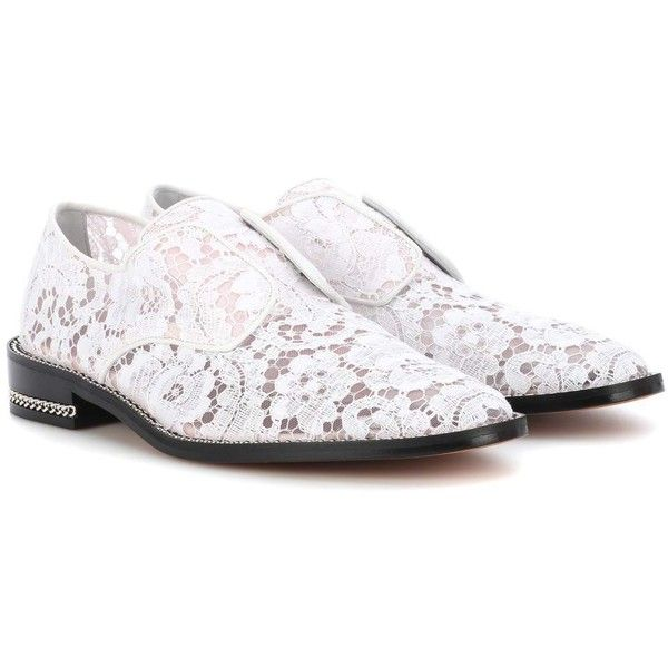 Givenchy Derby Double Chain Lace Shoes (19.350 ARS) ❤ liked on Polyvore featuring shoes, white, lace flats, givenchy flats, lace oxfords, white oxfords and flat pump shoes