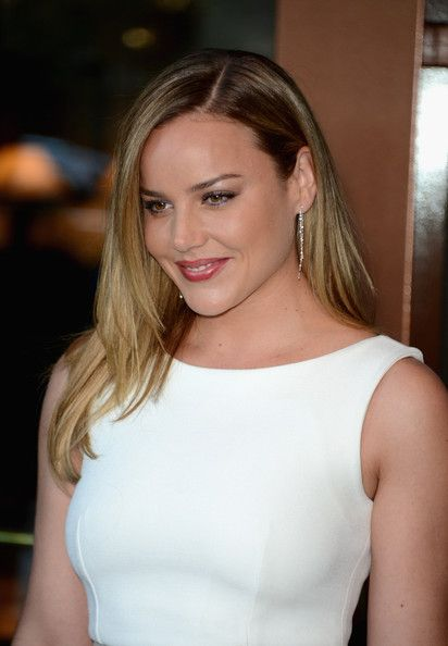 Abbie Cornish (21)
