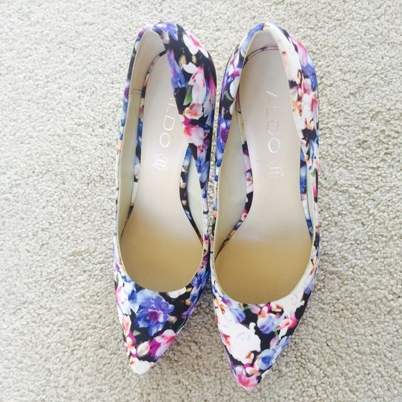 Aldo heels In excellent condition! No trades, make offers.  ALDO Shoes Heels