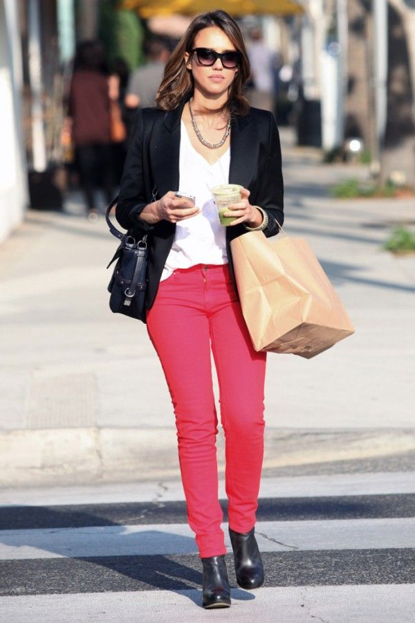 so i bought red pants and had no idea what to wear them with.... but now i do! Red pants outfit inspired by Jessica Alba :D