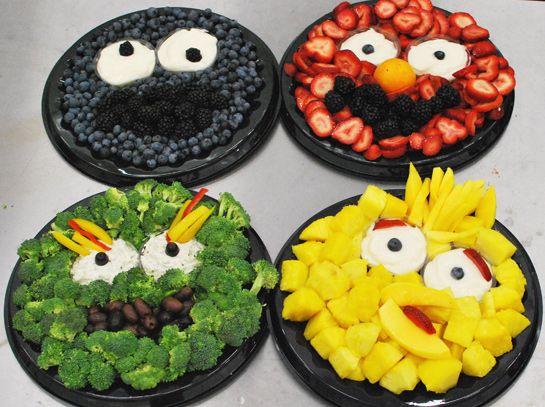 What better way to encourage kids to eat their fruits & veggies than this Sesame Street spread? #health #sesamestreet