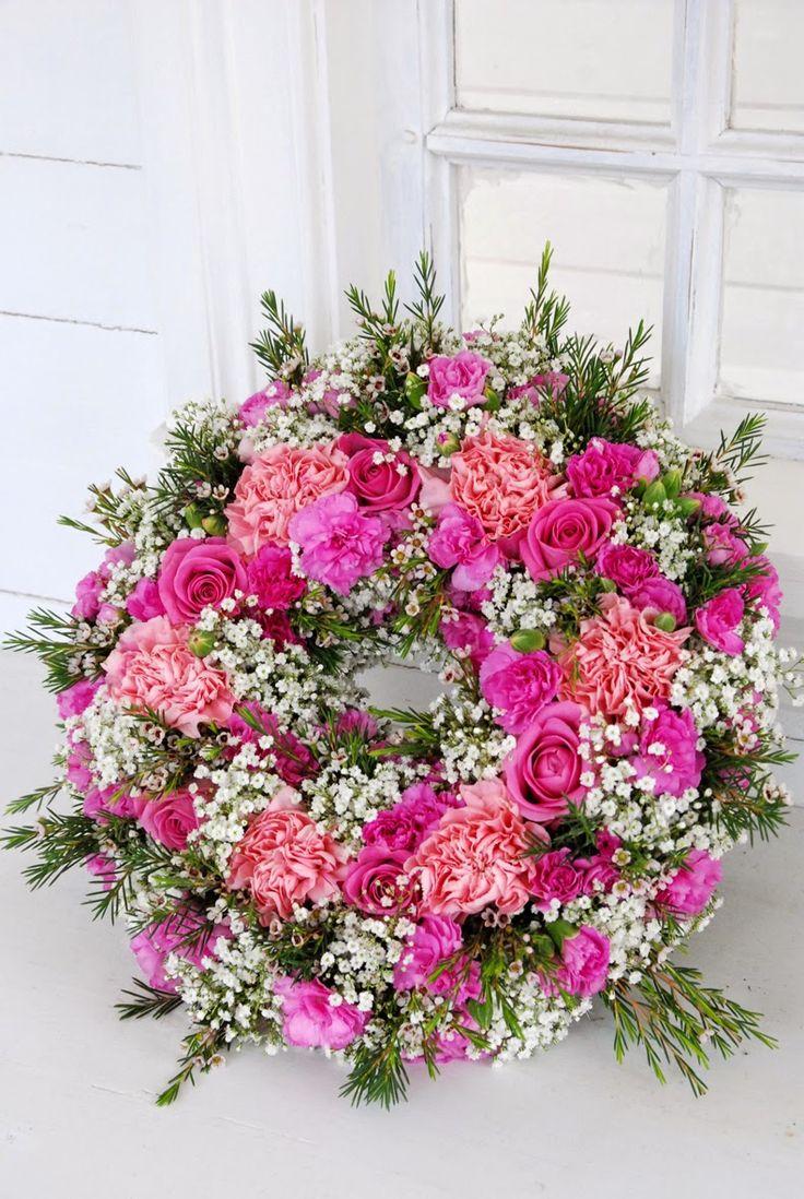 Wreath ( Vita Ranunkler)