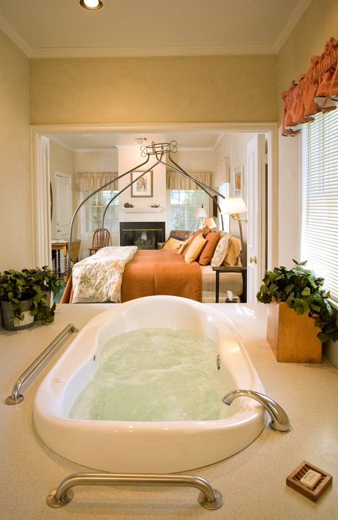 Two-person whirlpool bathub in Marketplace Cottage, Montford Inn, bed and breakfst, Norman, Oklahoma