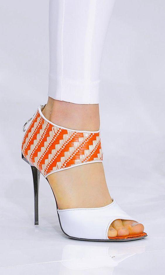 light fashion 18 centimètres de chaussures à talons la scène,16 centimètres de cravate