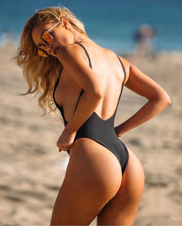 bikini-sara-evans