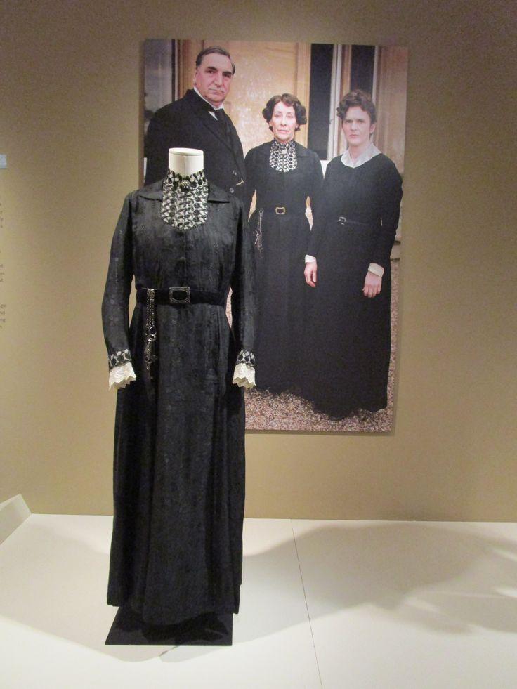 2016-08-26 Taft Museum Downton Abbey Exhibit - Mrs. Hughes' black silk and wool dress (Season 1)