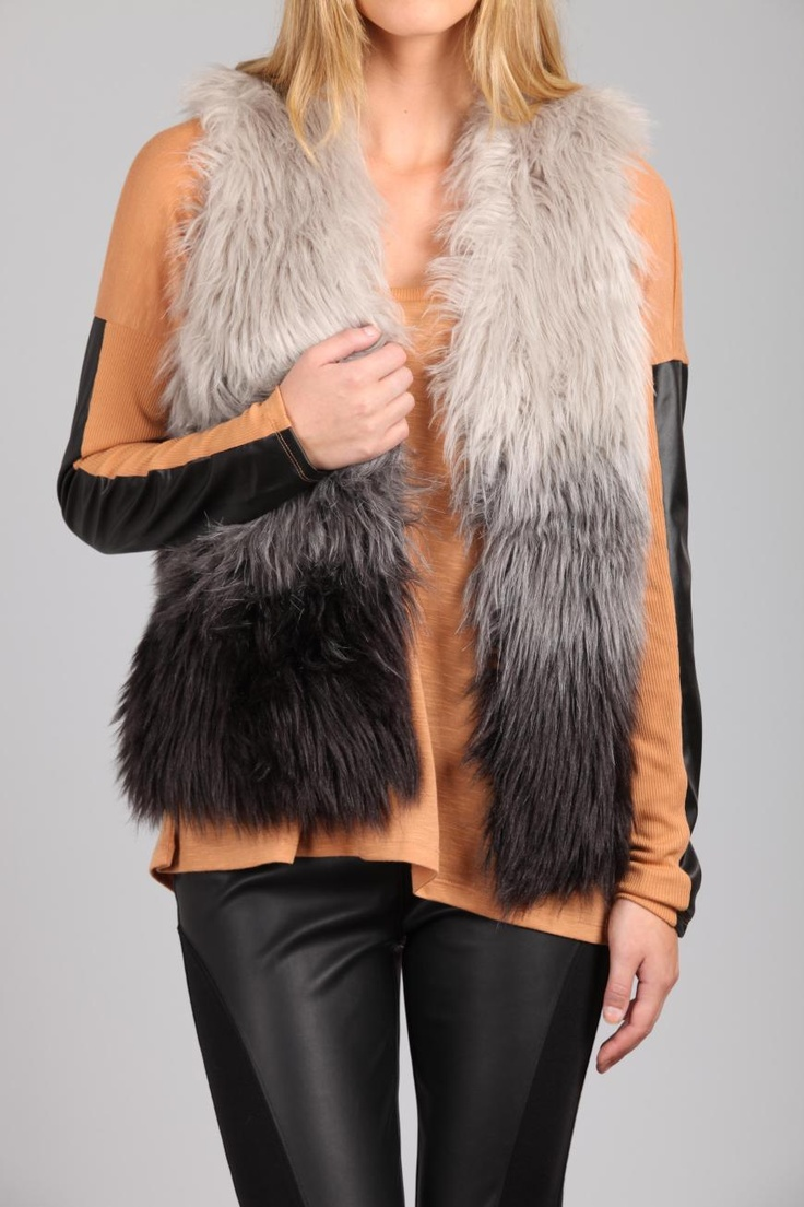 Pinworthy clothing #1 - Evalina Gilet from Cotton On. This jacket is the newest member of my wardrobe. LOVE IT :)