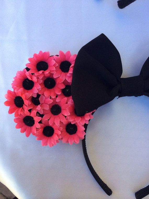DIY: Floral Minnie Mouse Ears Inspiration from lydiaatthedisco A must for this years trip to Disney!!