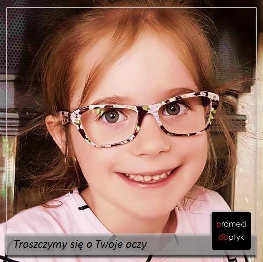 """Ola robi furorę w szkole - cudownie, ale dla nas najpiękniejszą chwilą było stwierdzenie Oli: """"Wreszcie widzę kontury!"""" Pozdrawiamy Olę i dziękujemy za przesłane zdjęcie. #optyk #optometrysta #okulista #okulary #dzieci #kids #radość"""
