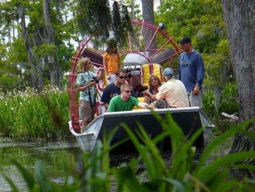 Crawfish boil at the airboat tour! NOLA swamp Swamp