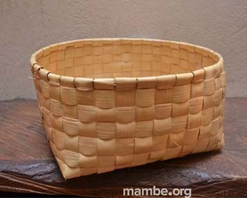 Canasto en palma de urú, hecho por mujeres Piaro de la Selva de Matavén. ( Vichada - Colombia)  #Artesanias Cómpralo en Mambe.org!