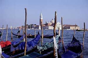 Italy tour packages 2014 to Venice, Florence and Rome. The all inclusive 2014 Italy vacations are great value Italy vacation packages.  ItalianTourism.us inclusive Italy vacations with air are all first class luxury Italy vacations.