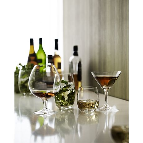 The brandy glass in Michael Bang's Fontaine range gives a good brandy the space it deserves. Its short stem and wide-bottomed bowl invite you to enjoy the golden drops slowly while they are tempered by the heat of your hand. The glass can also be used for a soft, ice-cold Baileys.  #holmegaard #fontaine #brandy