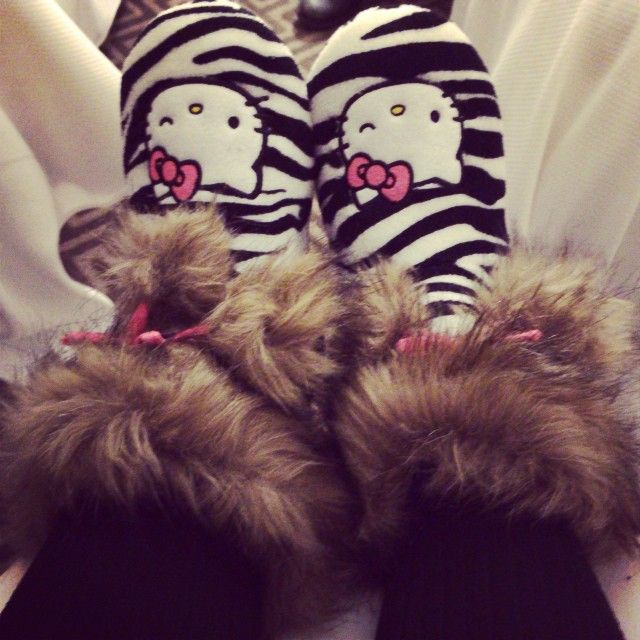Loveee these slippers<3
