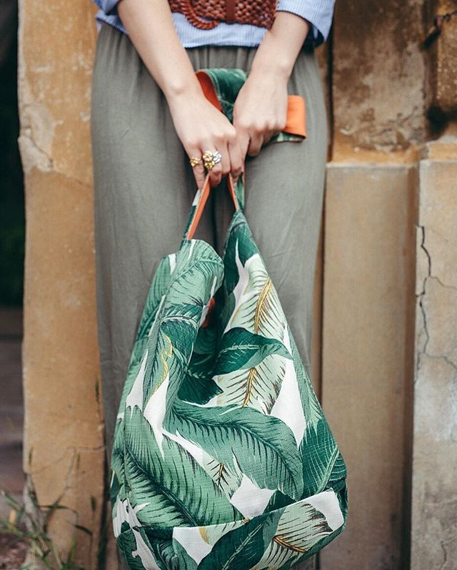 The Banana Leaf Bag has been our trusty carry-all for vacationing at the beach this august, and now we have every intention of bringing it back to the city and bringing some tropical vibes into fall! #VagabondandCompany #EndlessSummer // @vagabondcompany