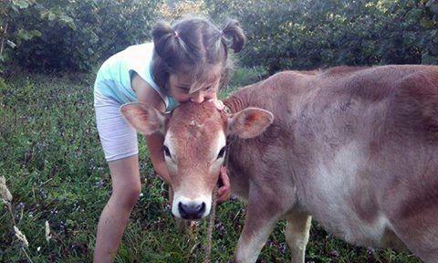 Hayvan sevgisi çocukken başlar.