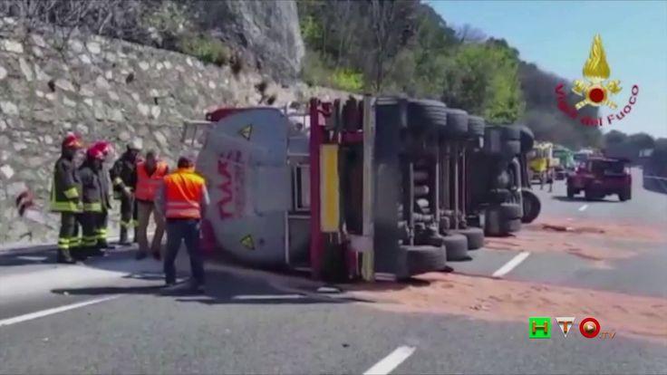 Vigili del Fuoco - Genova - Ribaltamento cisterna su Autostrada A10 - ww...