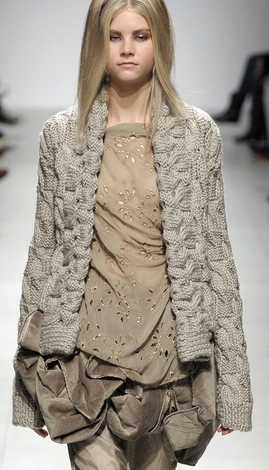 ~ Living a Beautiful Life ~ runway knitwear ♥✤