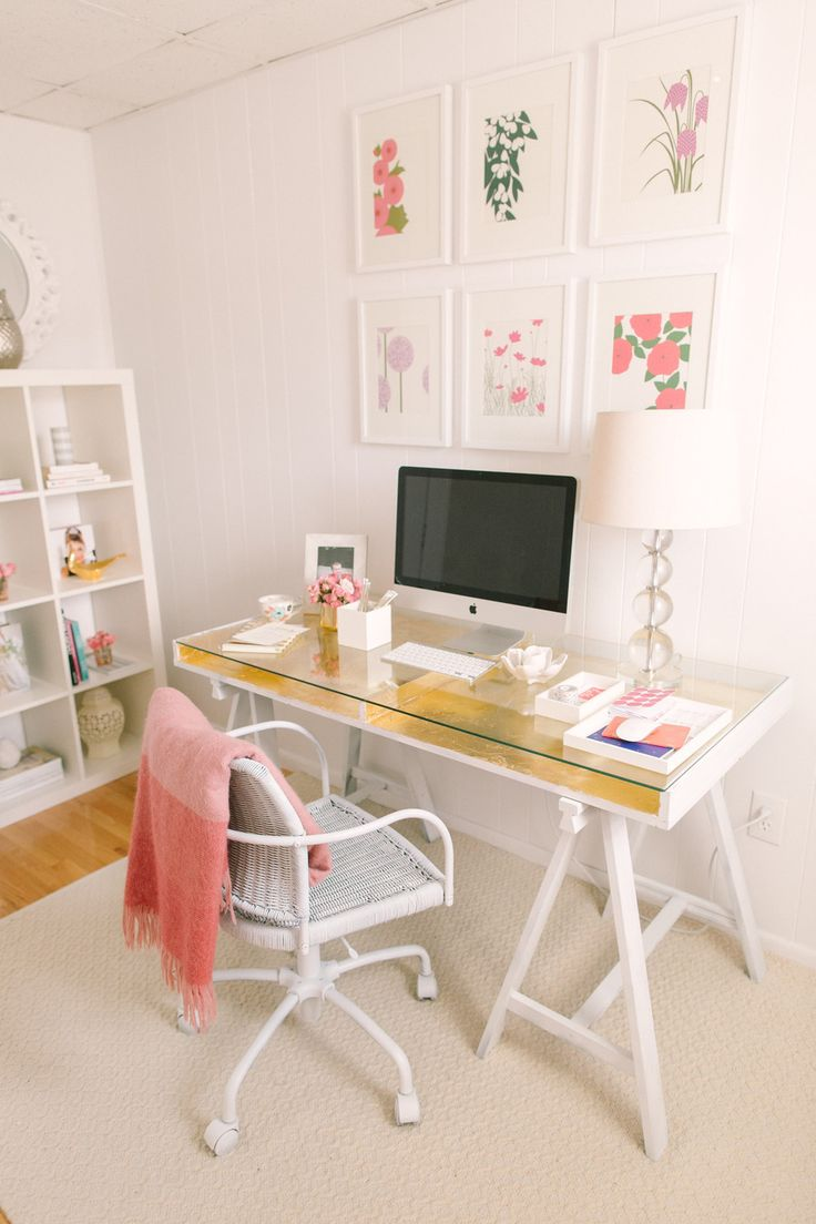SMP editor's home #office #gold #gallerywall | Photography: http://rutheileenphotography.com