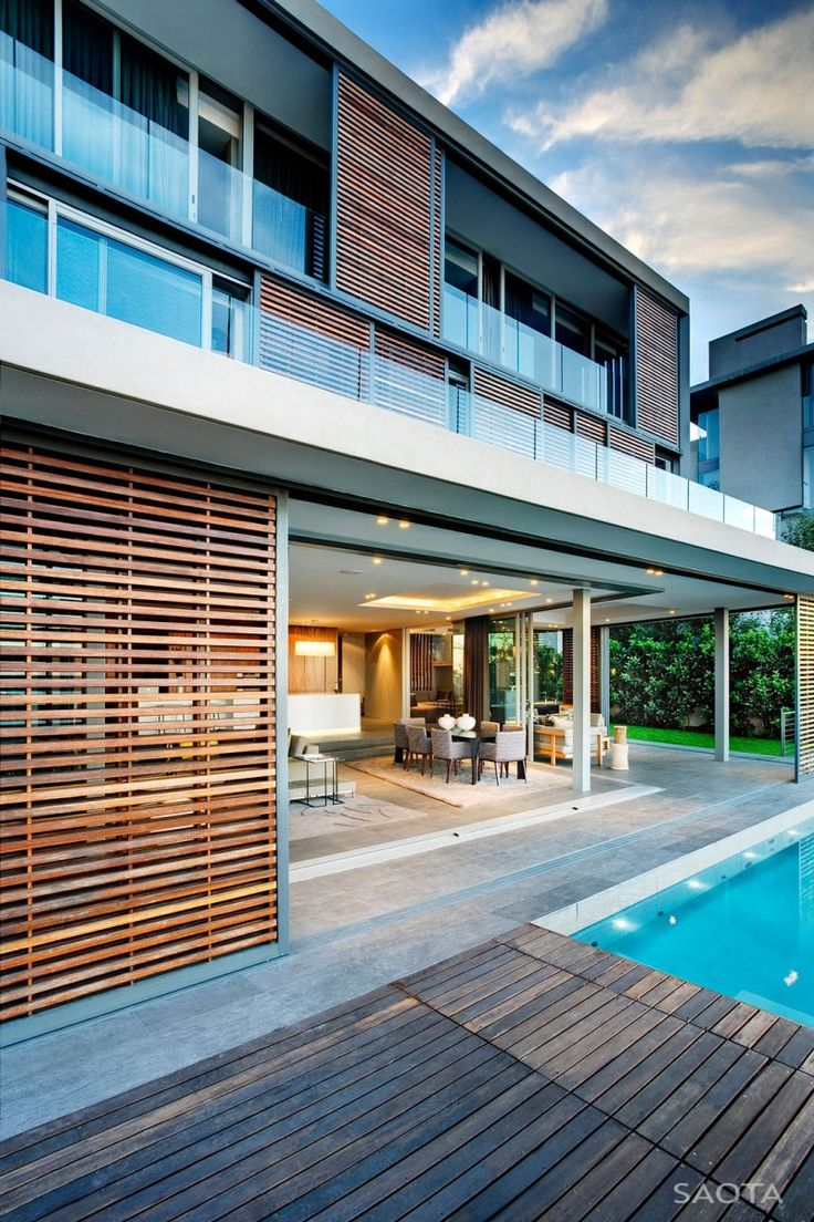 Front view luxury tropical house design 27 east sussex lane by ong - Head Road 1816 By Saota