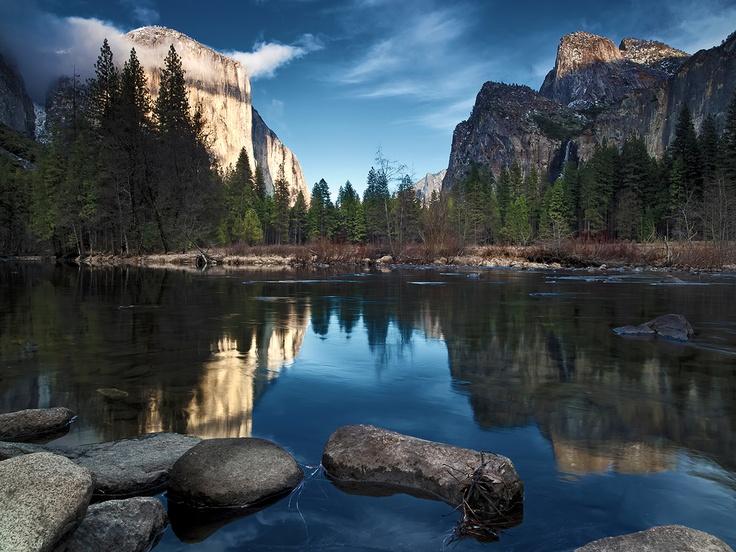 Beautiful Scenery of Yosemite Background Wallpaper