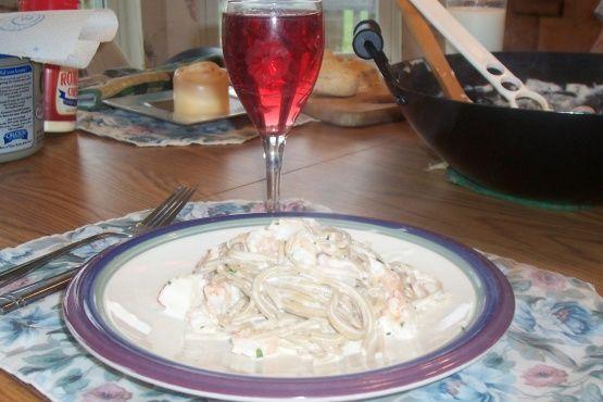 Fettuccine Alfredo With Shrimp & Crab Meat