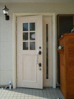 37. ドアの建て付け調整をして、玄関のリフォームの完成です。