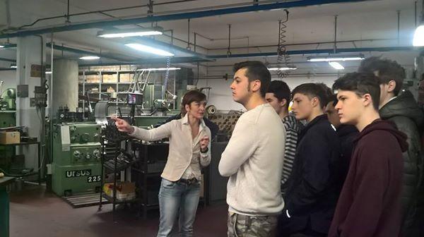 23/3/2016. Scuolartigiana. Monica di Meccanica Valdambrini con i ragazzi dell'Istituto Margaritone di Arezzo