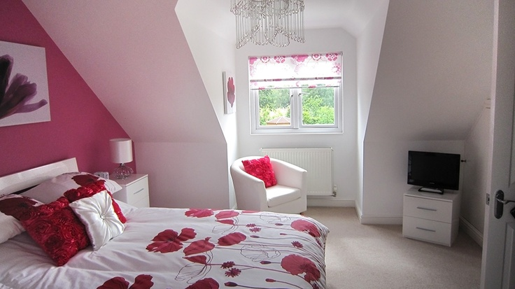 Bedroom in bungalow loft conversion remodel ideas for Dormer bedroom designs