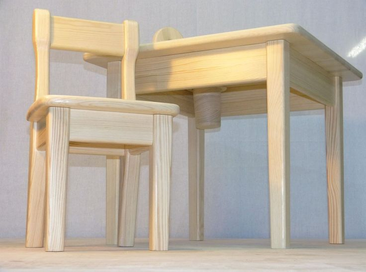 Kids chair and table 2. Детский стул и стол 2.