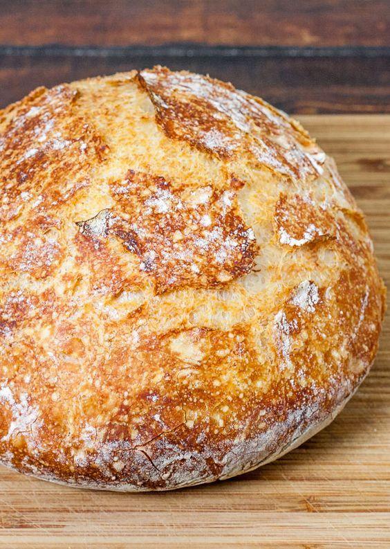 Não Amasse forno holandês pão duro