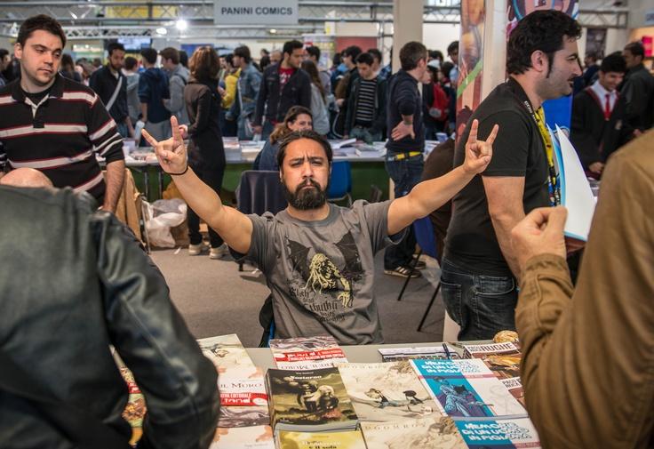 Tony Doomboy Sandoval allo stand Tunué a Napoli Comicon