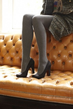 great look // grey over-the-knee socks in rib knit 49% silk/51% nylon from plumo