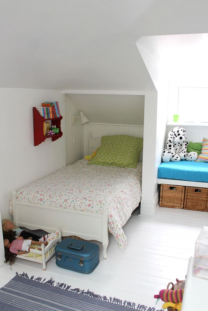 Make the most of every space. Solutions for small attic bedroom | Girl's Attic Bedroom Ideas and Tips