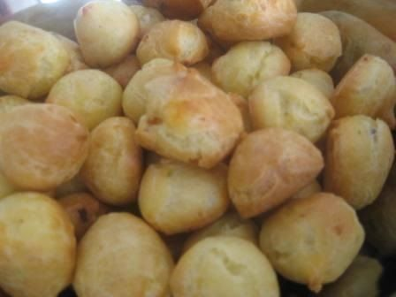 Receita de Bombinhas de queijo e bacon. Enviada por Susana Frugeri e demora apenas 30 minutos.