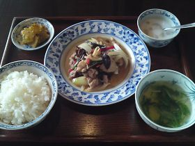 ベトナム料理、タイ料理 神戸 アジアン食堂ノルブリンカ