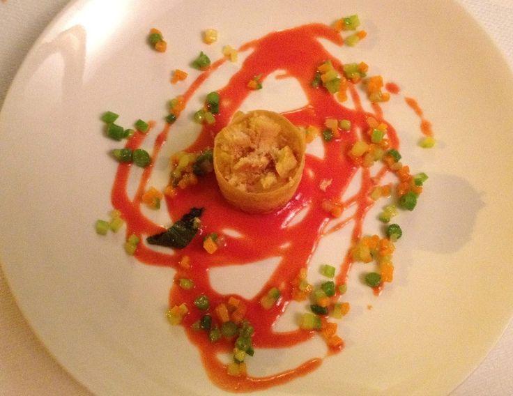 Cassatina di robiola in pasta fillo su gazpacho & brunisse di verdurine