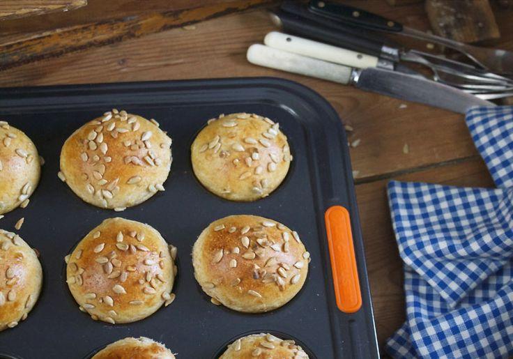 Kaldhevede rundstykker le creuset muffinsform
